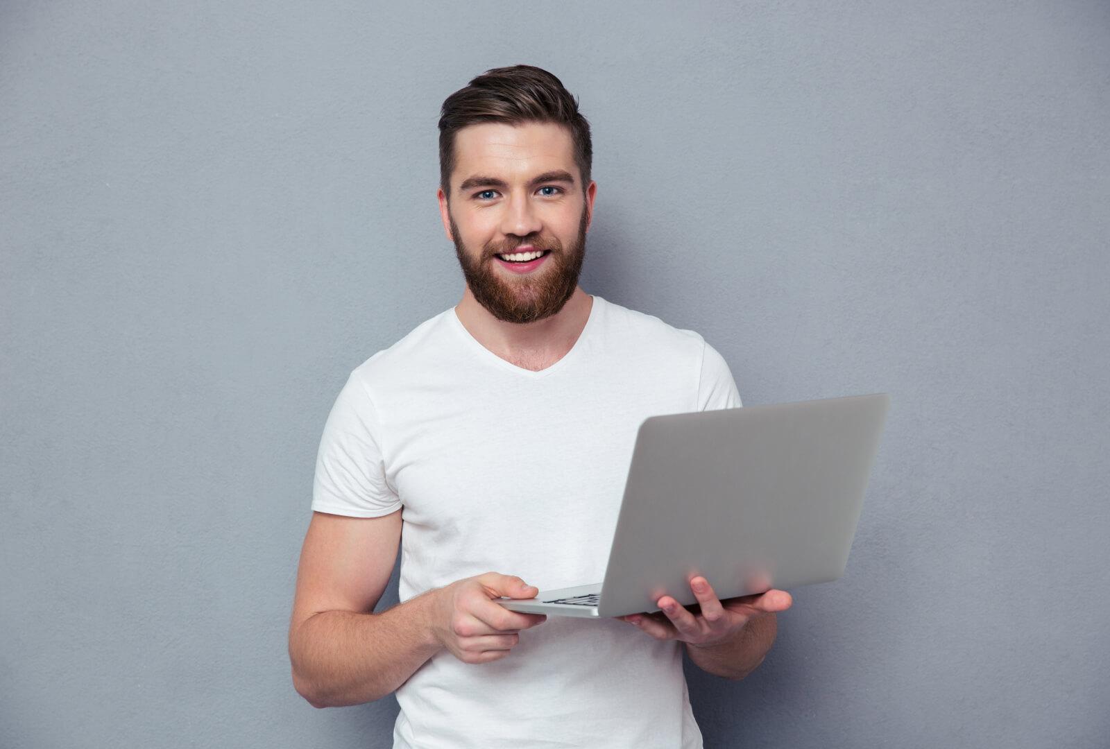 blog-people-with-mackbook